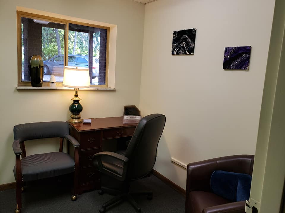 Columbus Hypnosis Center, inside the Columbus, Ohio office in Grandview Heights